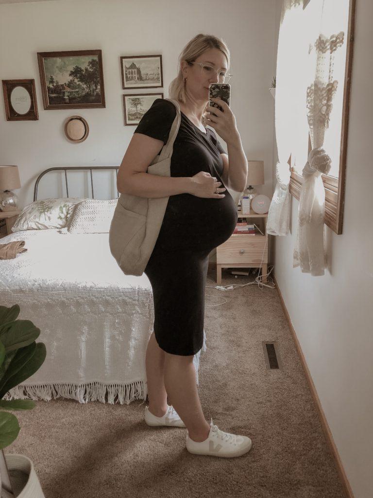 Maternity Outfits, Veja Sneakers, Black Maternity Dress, Black Bodycon Dress