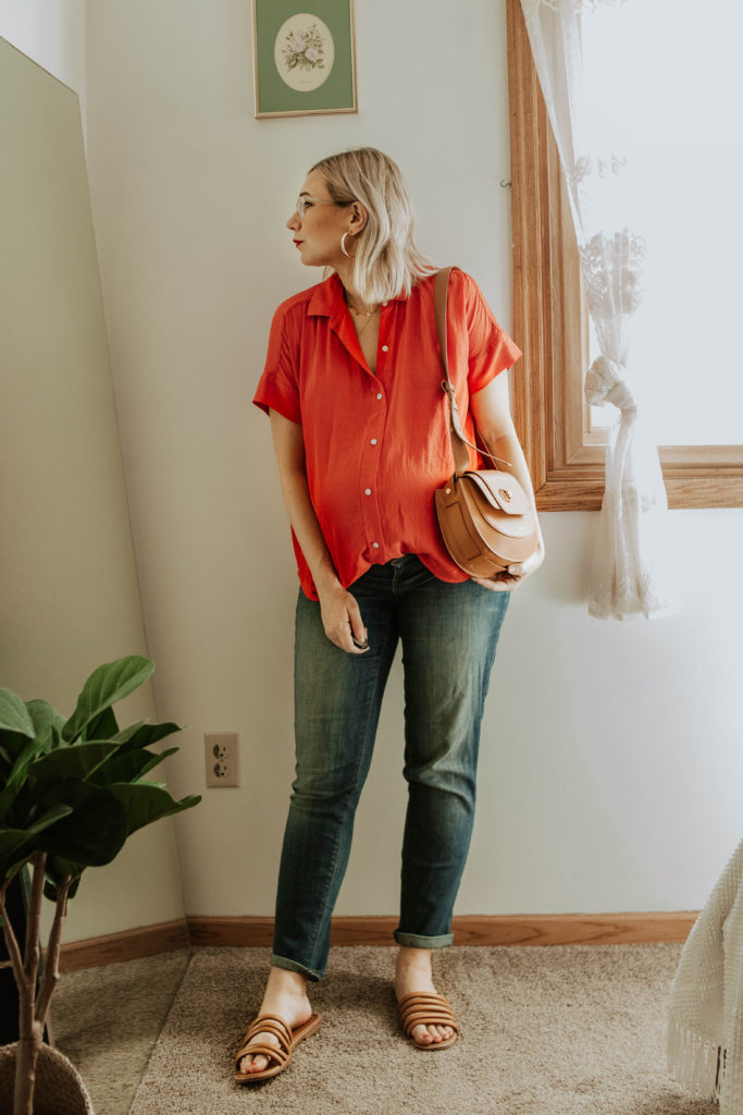red everlane blouse, everlane japanese go weave blouse, maternity jeans, madewell brown sandals, brown saddle bag