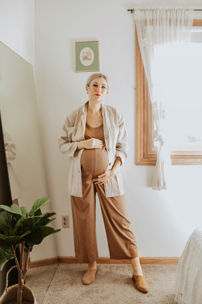 casual maternity outfits, everlane cotton jumpsuit toasted coconut, linen jacket, nisolo mules, red lipstick