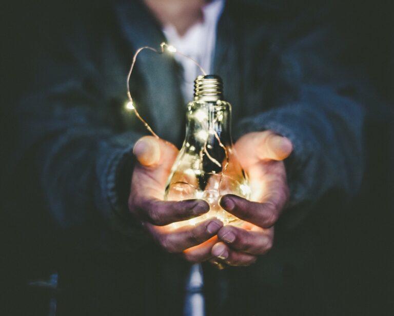 Leadership light bulb