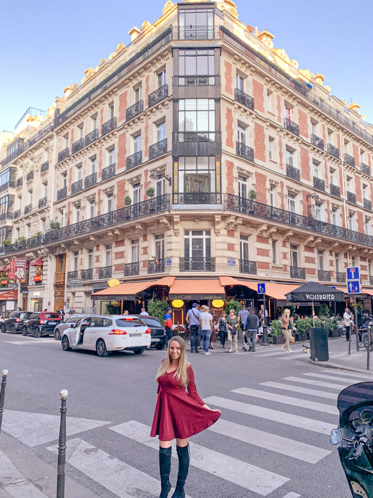 champ elysees, Andra Birkhimer.   travel blogger