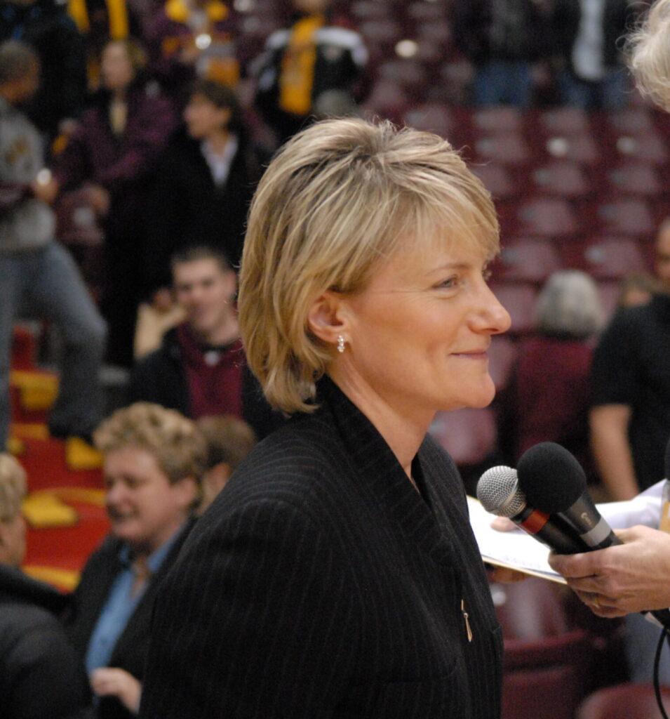 Coach, Barb Smith