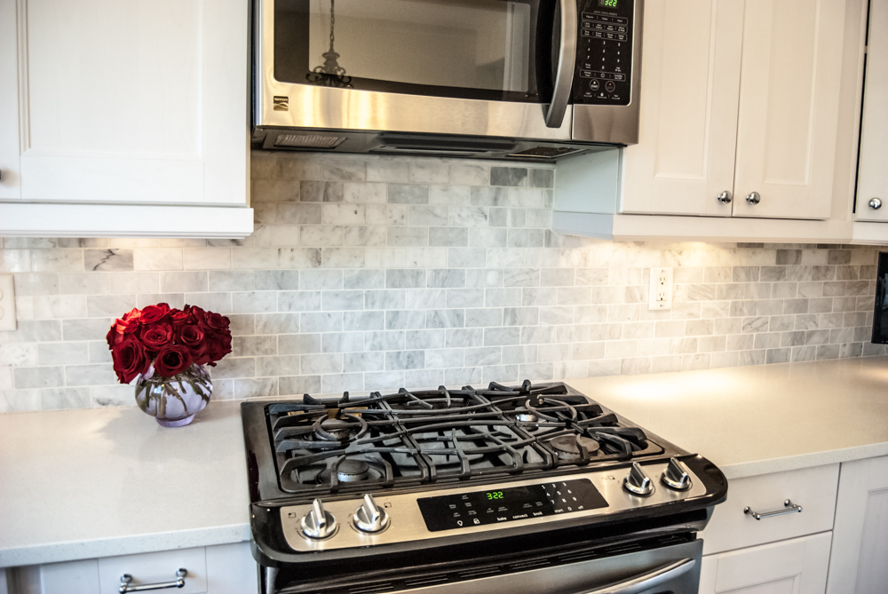 Flat Back Stove, Marble subway tile backsplash