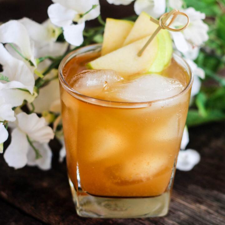 Cinnamon and Apple Stone Wall Drink Recipe