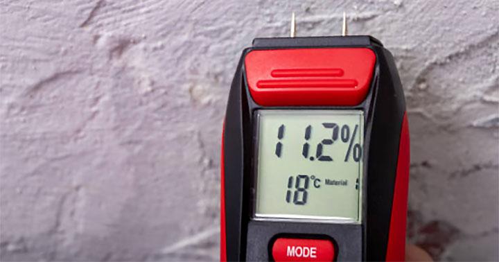 Crawlspace Moisture Detector