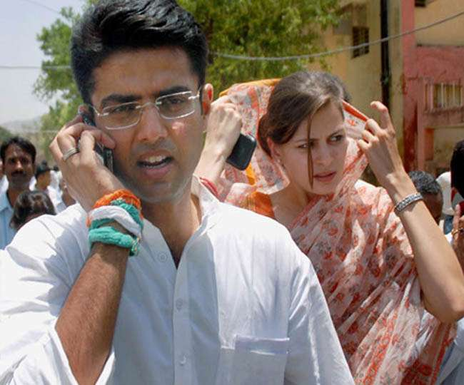 Sachin pilot with his wife in rajasthan