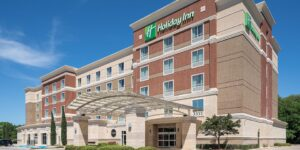 holiday-inn-hotel-and-suites-houston-6082169963-2x1