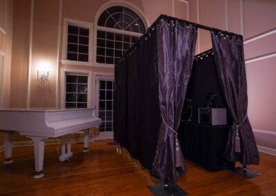 Photobooth with piano