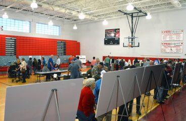 Mountain Parkway Meeting in Prestonsburg Draws Big Crowd