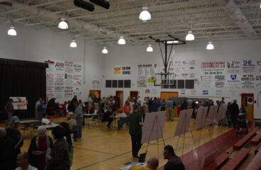 More than 300 turn out in Prestonsburg to view options to extend Mountain Parkway