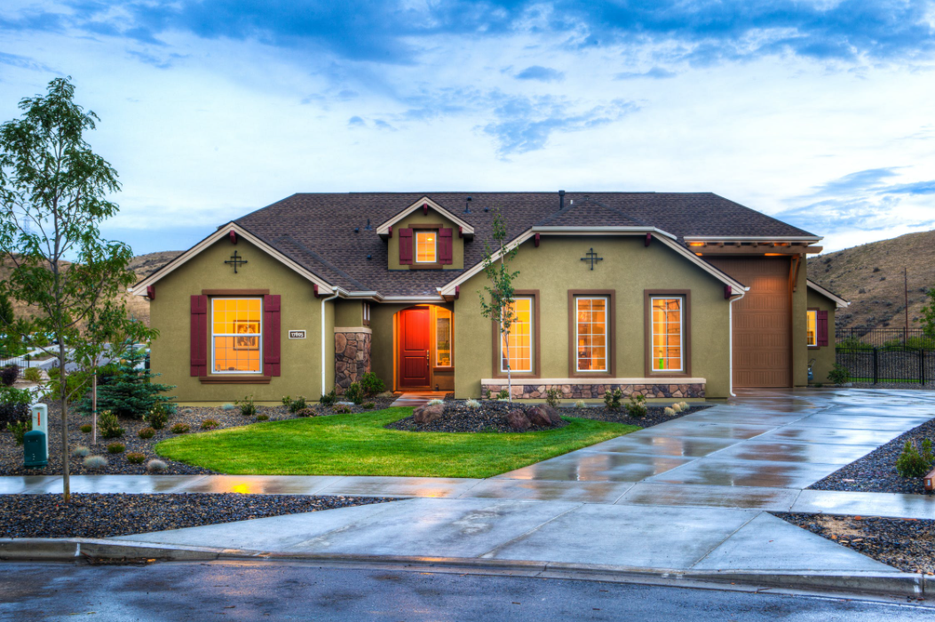 New Homeowners' Guide: What to Look for in a Roof When Buying a House