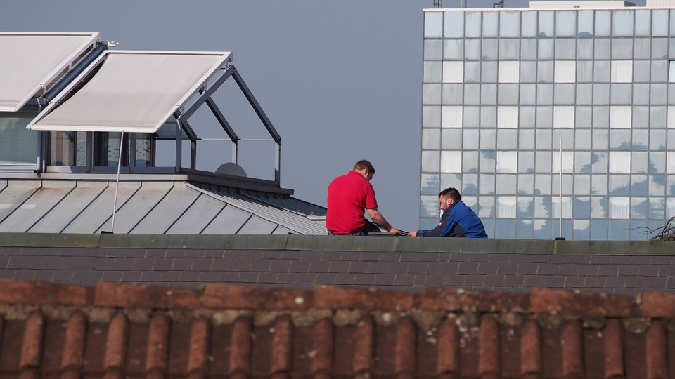 what do roof inspectors look for