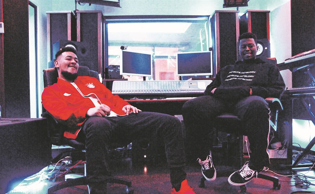 Check Out Anatii's World Class Studio [Video]