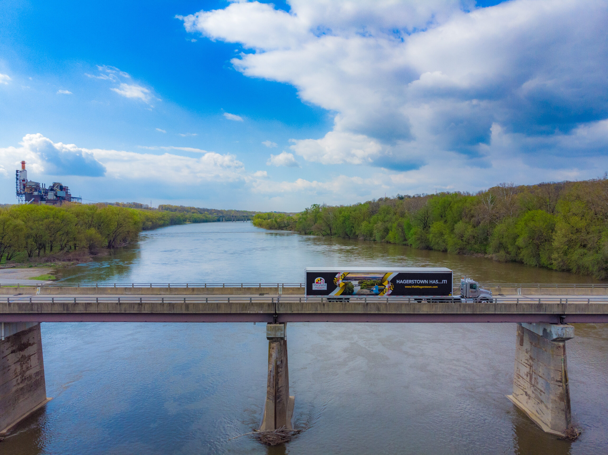 Visit Hagerstown truckside ad over bridge