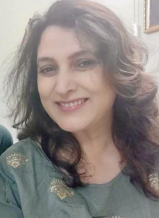 Hi, I am Minal, a food blogger, a food stylist, a recipe developer, a food photographer who blogs vegetarian recipes..