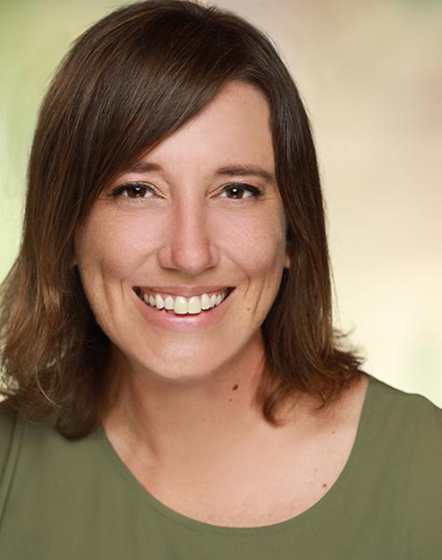 Melanie Hensch Headshot