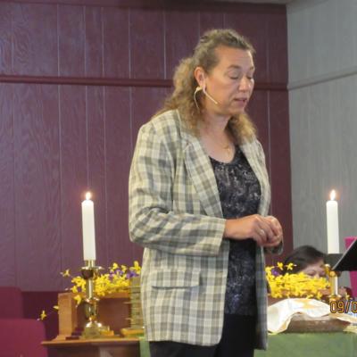 Senior Pastor<br>Pastor Jana Wear