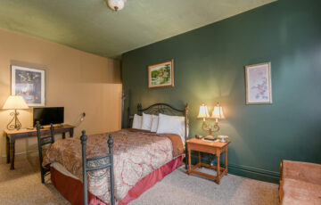 naples_hotel_ny_riesling_suite-3