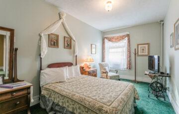 naples_hotel_ny_niagara_suite-4