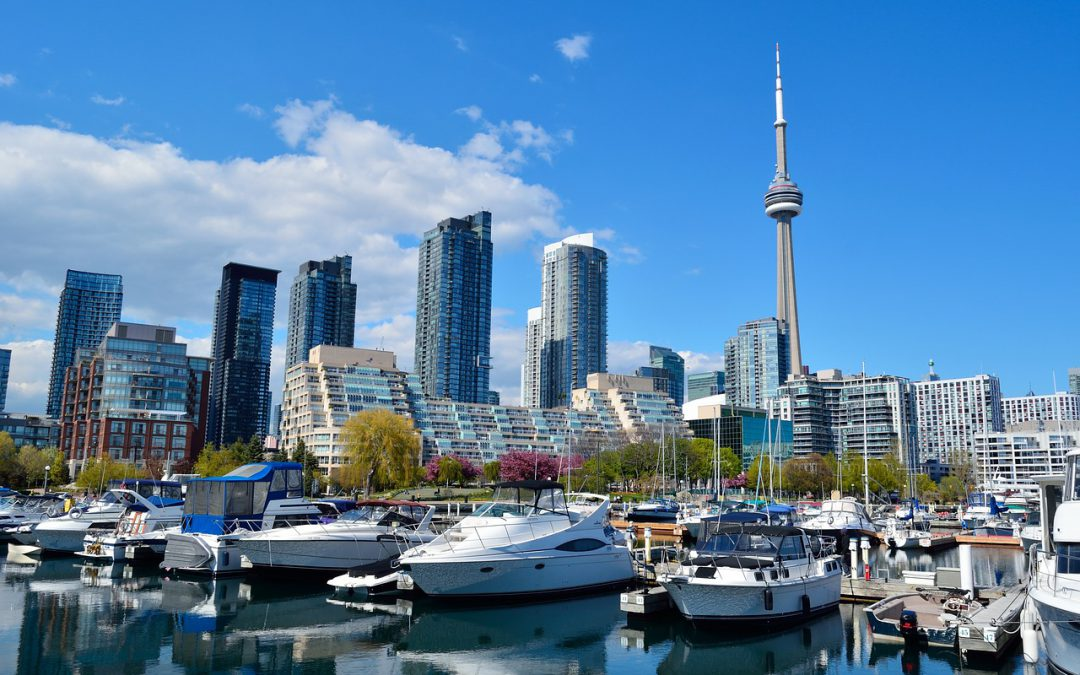 A photo of Toronto skyline at daytime.