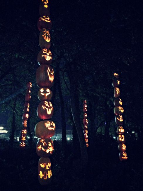 HalloWeekends Cedar Point Pumpkin Totems