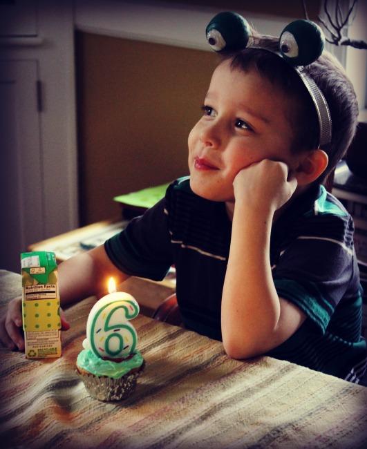 Frog Party Happy Birthday
