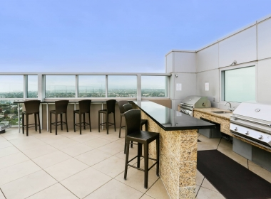 13700_marina_pointe_drive__1105_13_rooftop_barbeque_area_B-1541372588