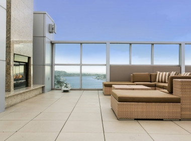 13700_marina_pointe_drive__1105_9_rooftop_fireplace_conversation_area_B-1541372575