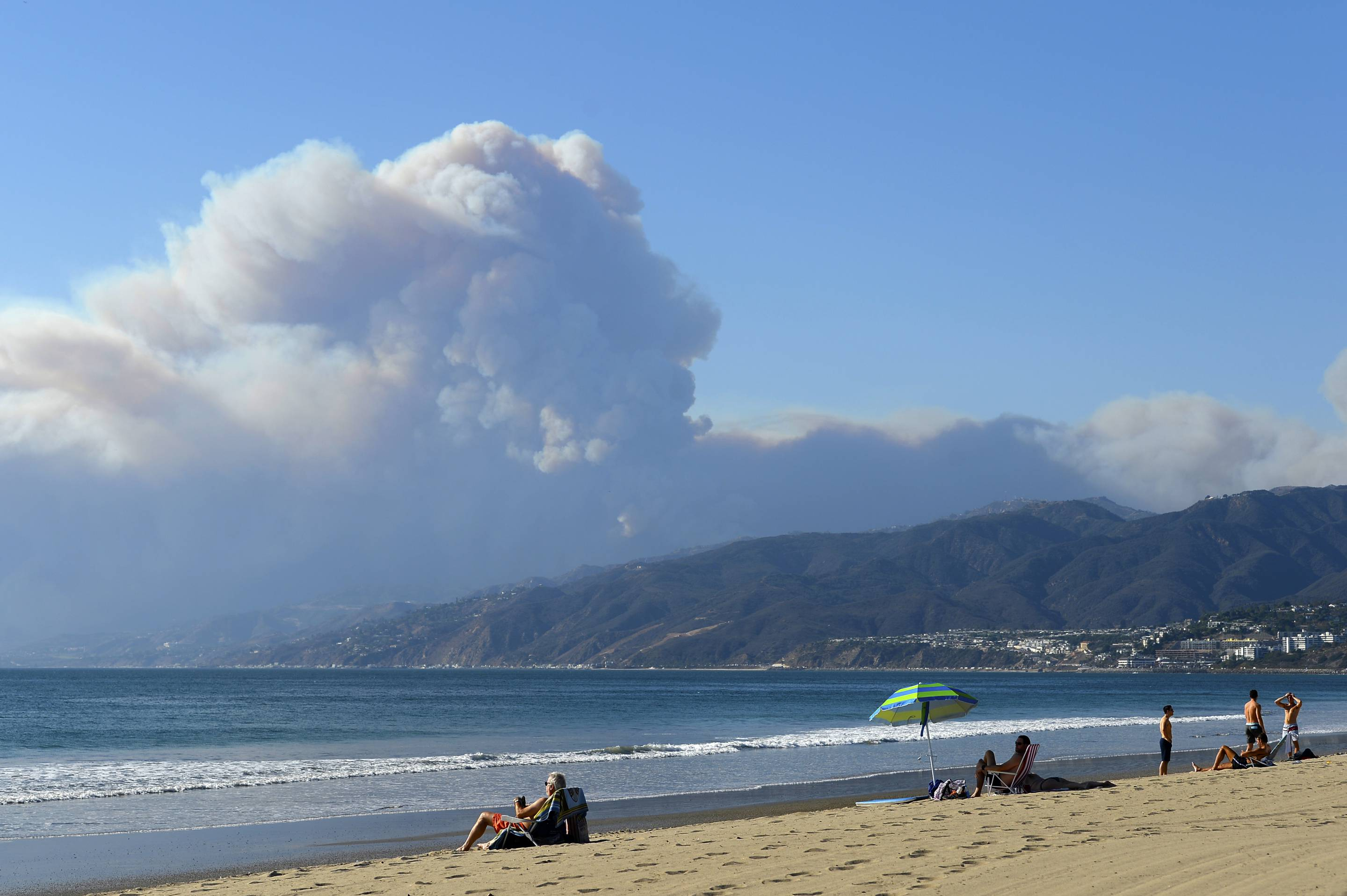 How To Help And Stay Informed With The Camp Fire and Woolsey Fire
