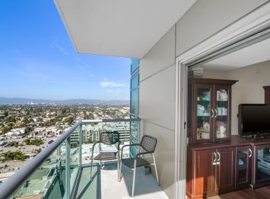 Marina del Rey apartment condo for sale los angeles silicon beach high rise azzurra regatta cove 90292