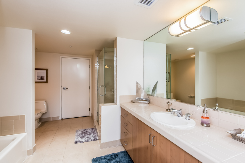 13700 Marina Pointe Dr 702 remodeled Marina del Rey venice santa monica 90292 Condo for rent Azzurra High Rise 2 bedroom 2.5 bathroom beach apartment for lease