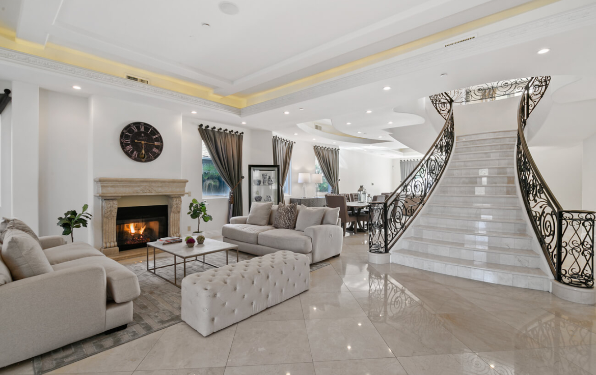 Beverly Hills Home Mansion for Rent Lease 90211 summer villa with pool