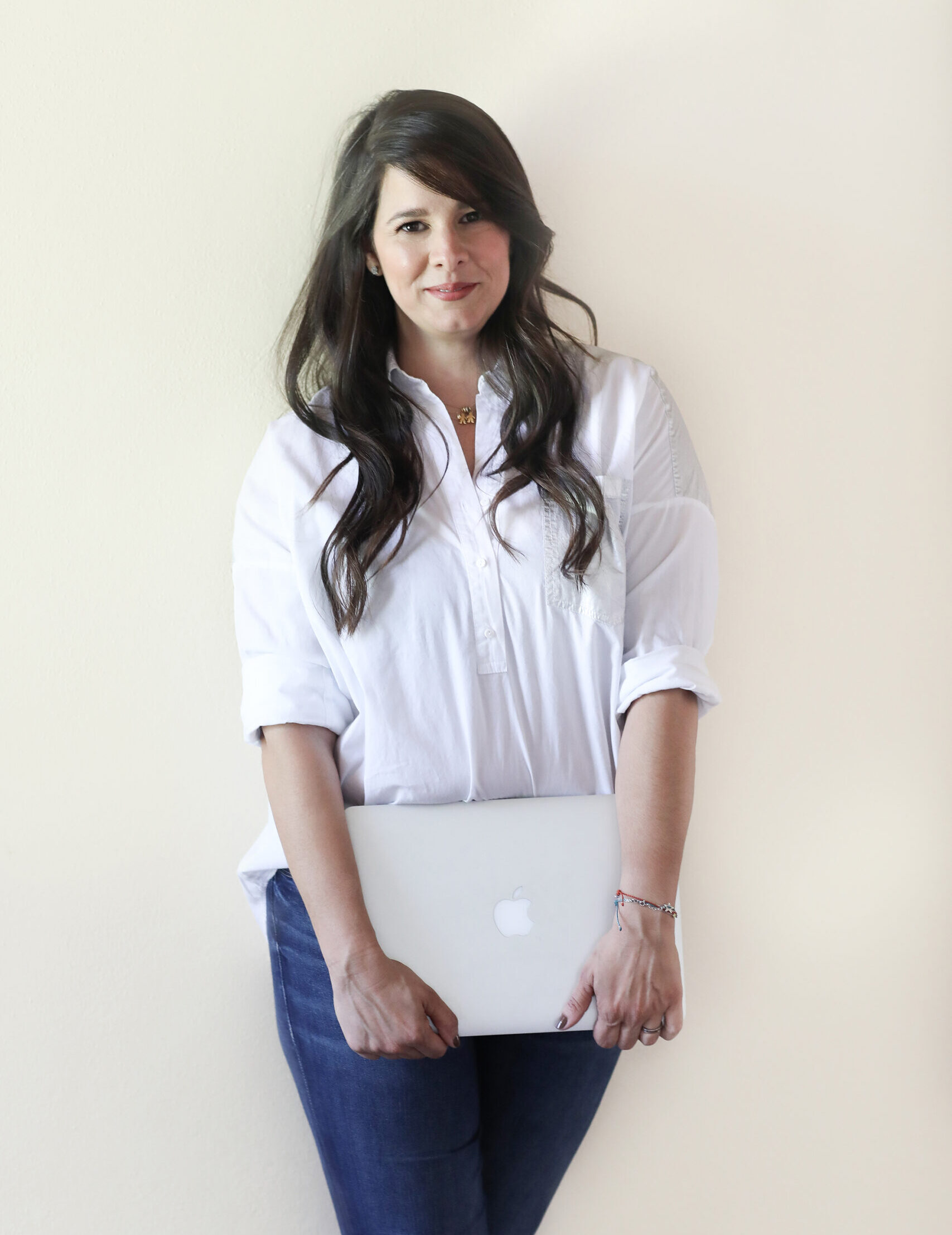 Maria Alejandra Ramirez computadora mac book