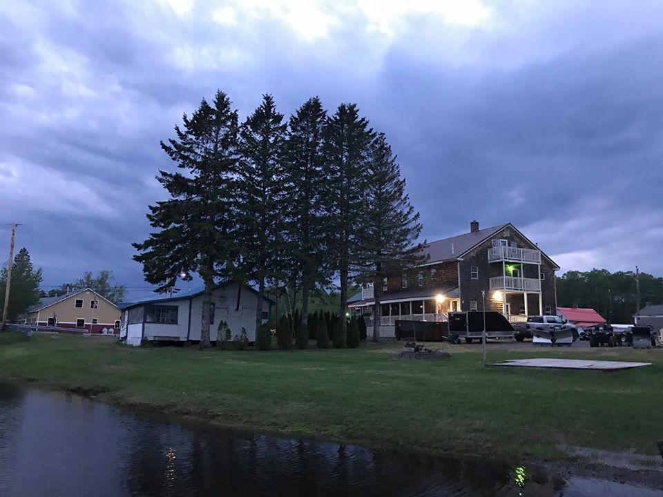 Lakeside Lodge - Lakeside
