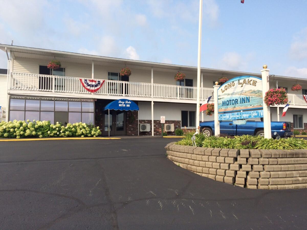 Long Lake Motor Inn