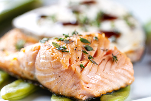 Salmon roasted with thyme