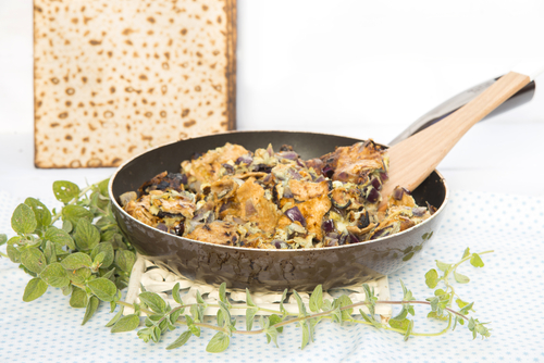Skillet of fried matzoh (matzoh brie)