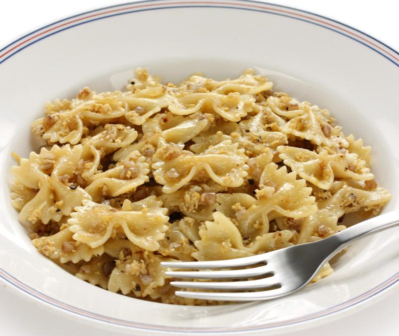 kasha varnishkes (buckwheat groats with bow tie pasta)