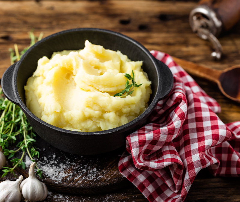 mashed potatoes in cast iron dish