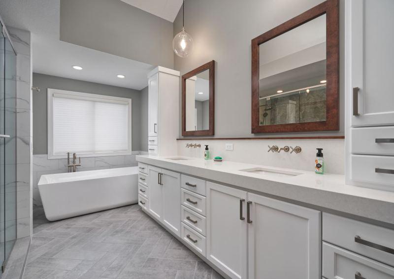 web_northloop_primary_Bathroom