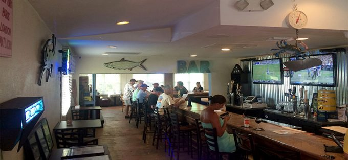 BLUE DOG BAR AND GRILL IMAGE 3