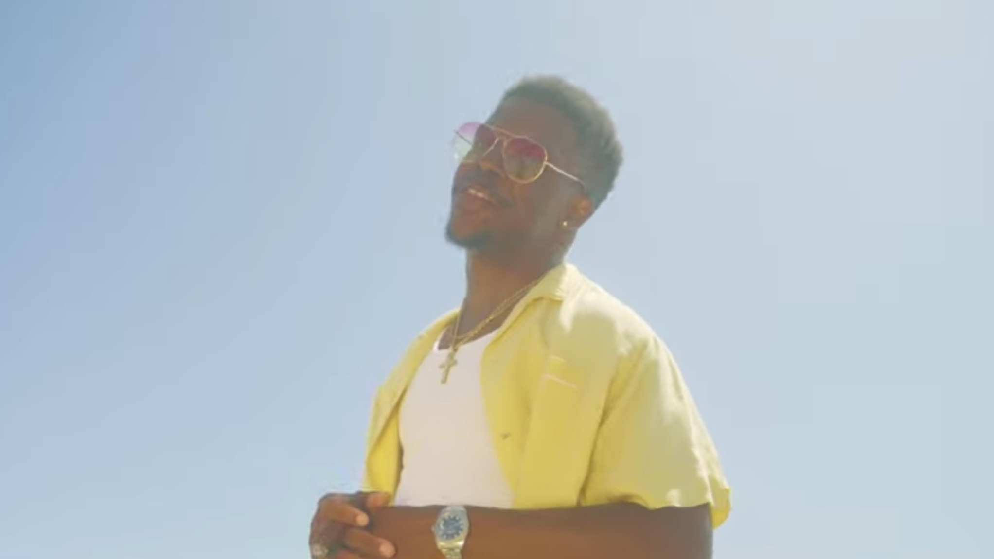 """District 21 Brings Love To The Beach In """"July"""" Video"""