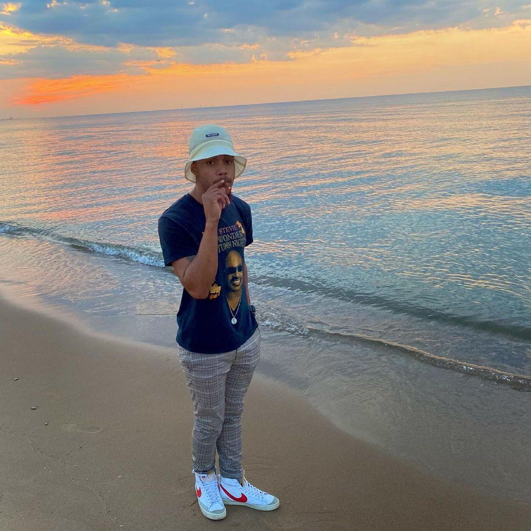 "Hobart, Indiana Rapper Emarisemaj Delivers New Single ""Mo Pack"""