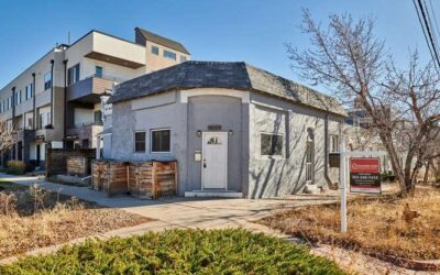 ACTIVE: Remodeled Unit in Jefferson Park