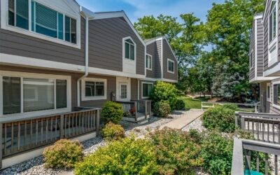 PENDING: Fabulous Townhome in Arvada
