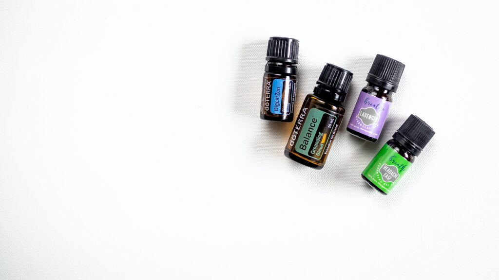 6 Essential Oils for Menstrual Cramping