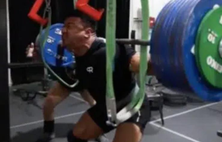 larry wheels squat triple