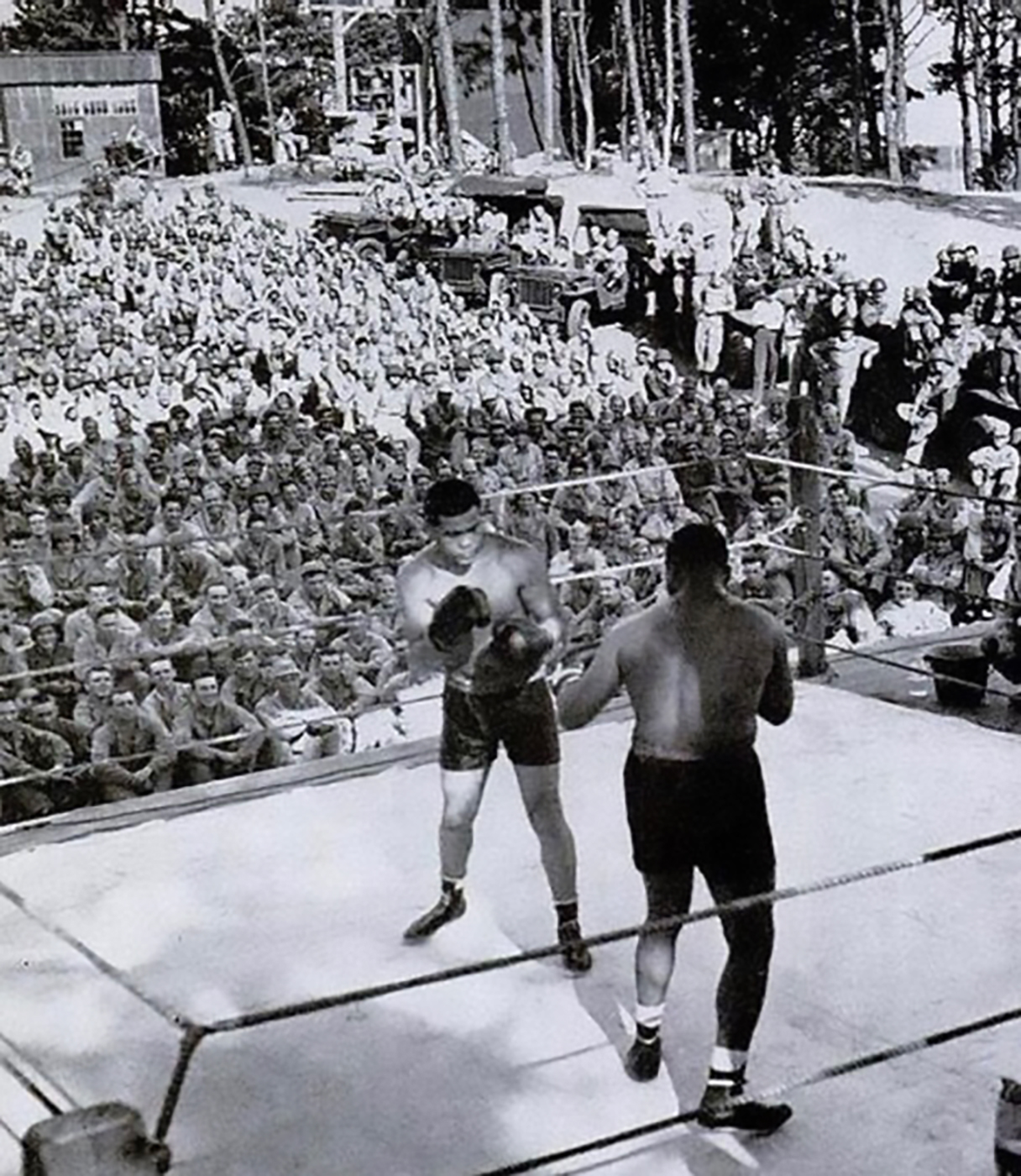 Joe Louis Bourbon - Joe Louis, world heavyweight champion, during exhibition fight for USA troops