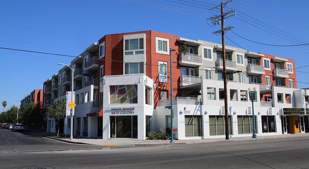 10747 Magnolia Boulevard property image.