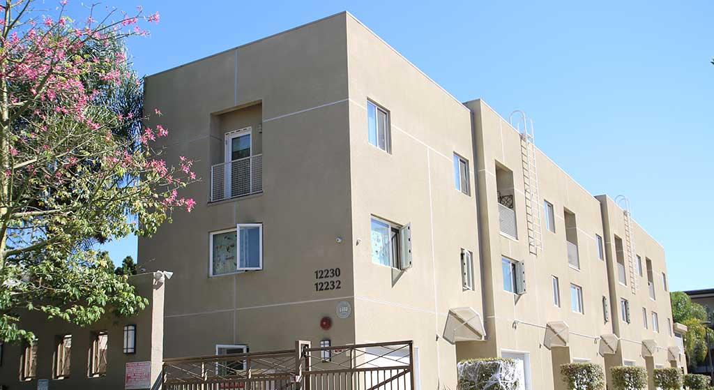 12230 W. Osborne Place property image.